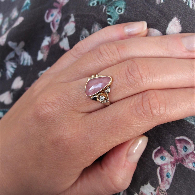 Wiosenny pierścionek z turmalinem i kwiatem by Lookrecya