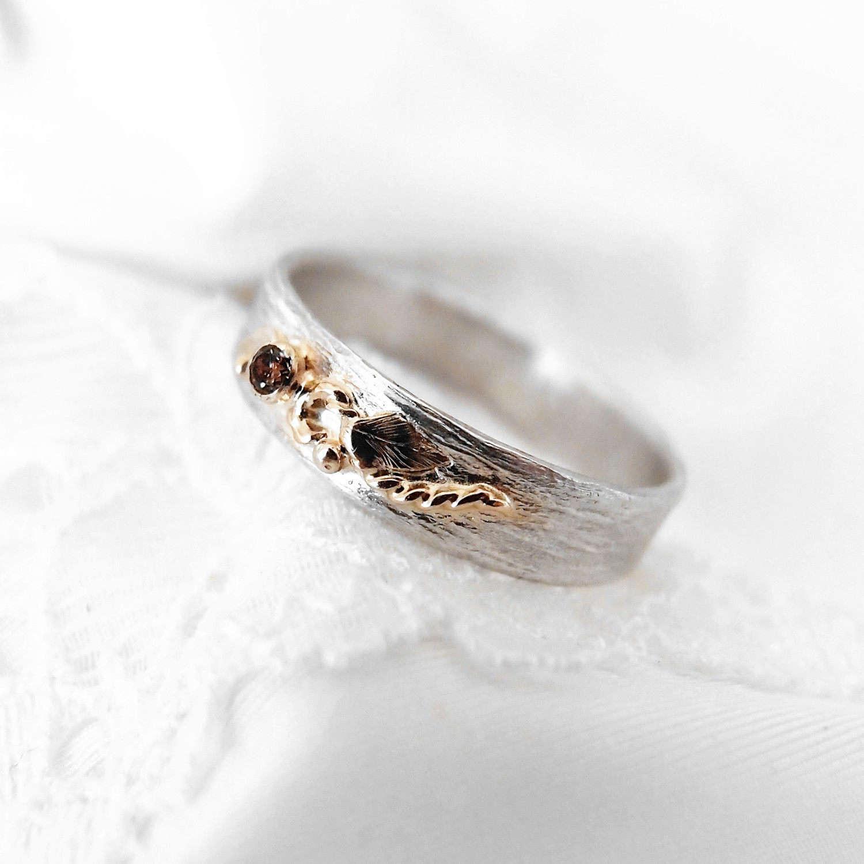 Srebrna obrączka ze złotą gałązką i brązowym diamentem
