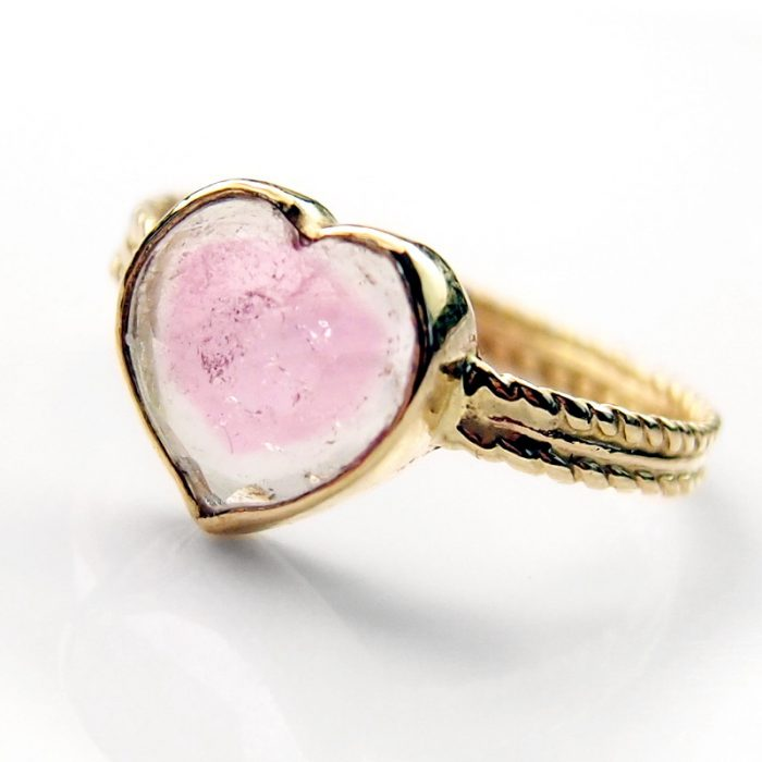 Solid gold tourmaline heart ring by Lookrecya