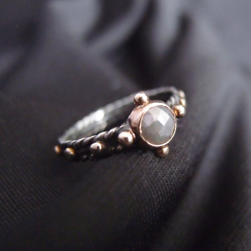 rozaniec na palec z diamentem- finger rosary with diamond
