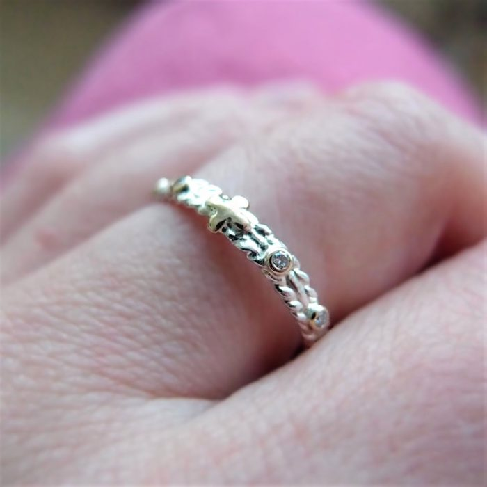 Dainty rosary ring with diamonds from Lookrecya