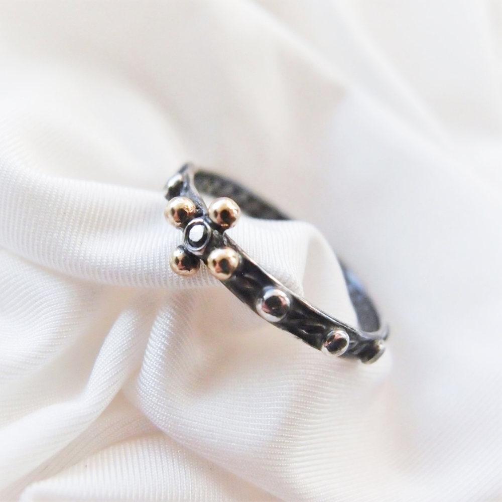 Wyjatkowy pierścionek różaniec od Lookrecya
