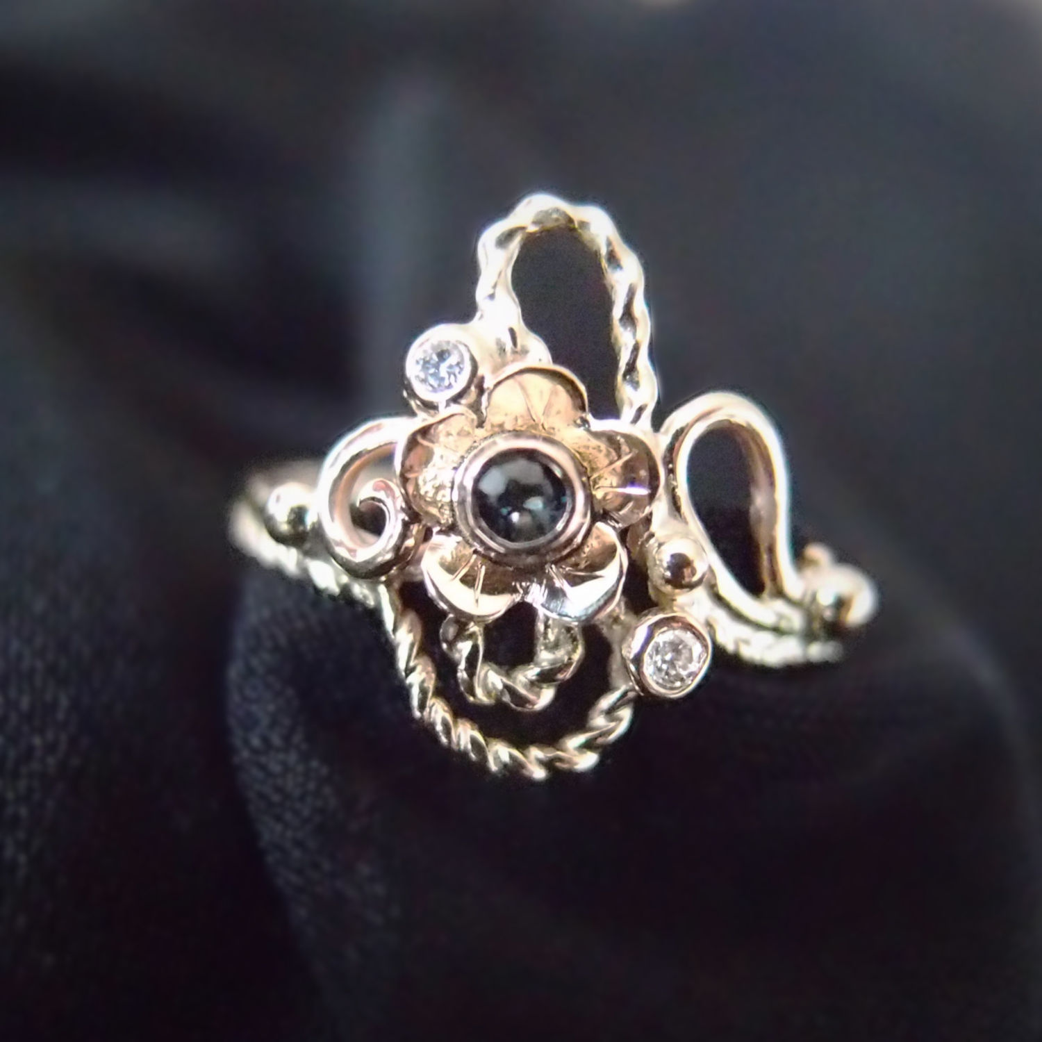 Unique gold ring with sappphire flower inspired by Art Nouveau