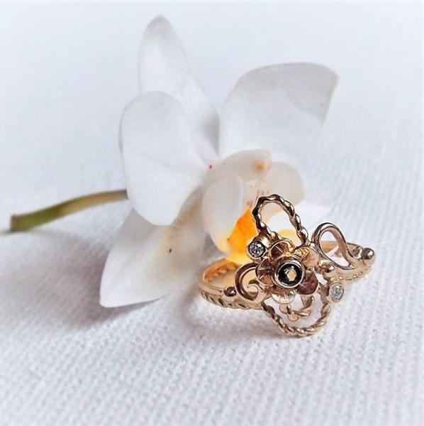 Wiosenny złoty pierścionek inspirowany secesją od Lookrecya