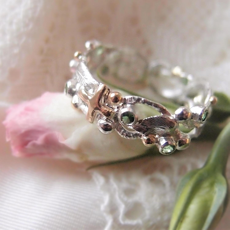 Pierścionek różaniec z listkami