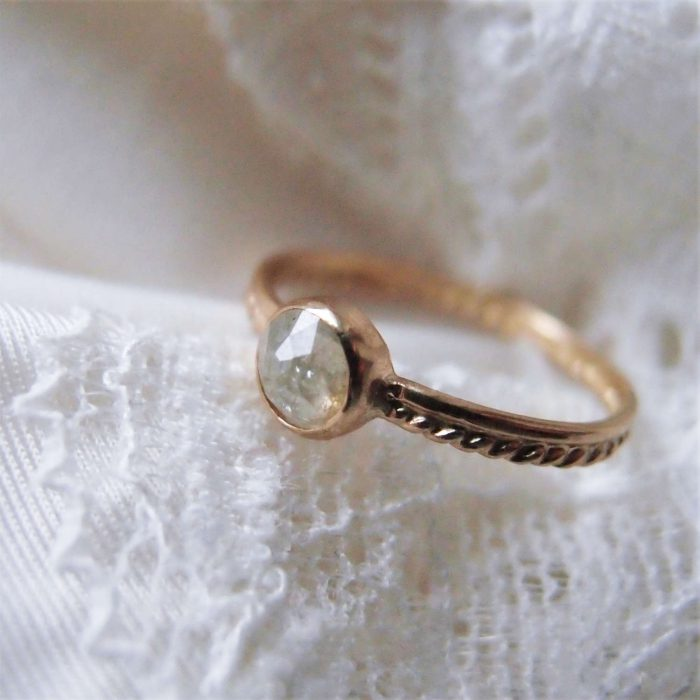 Solid gold ring with rose cut diamond